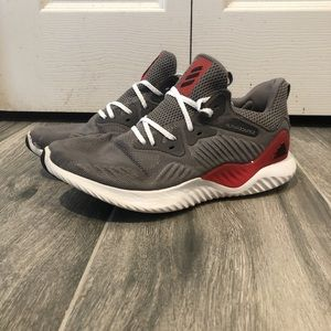 Adidas Alpha Bounce  Sneaker.
